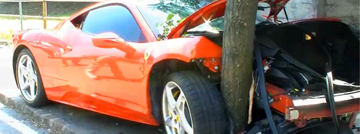 Ferrari 458 Italia crash